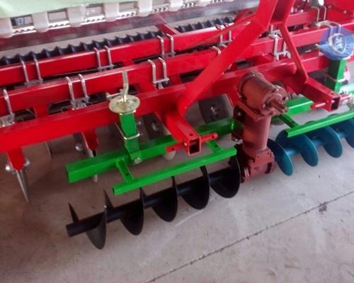 小麦播种机平土器
